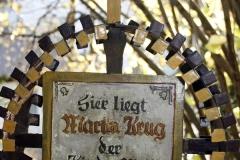 Chlausgesellschaft.ch Neuenhof Ausflug 2013 Museumsfriedhof Tirol (9)